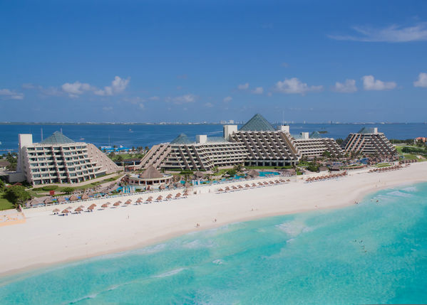The-Paradisus-Cancun-reserves-one-pyramid-for-the-adults-only-Royal-Service-and-the-Family-Concierge-offers-activities-for-all-ages-Photo-courtesy-of-Paradisus-Cancun